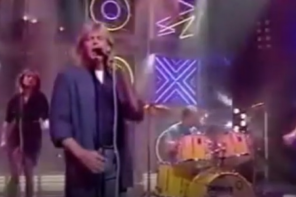 Lauren singing with John Farnham on the hit song,